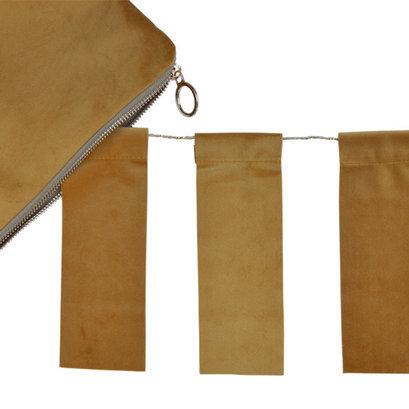 delight-department-velvet-oker-vlaggenlijn-detail