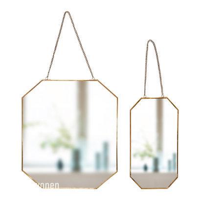 Spiegel aan ketting