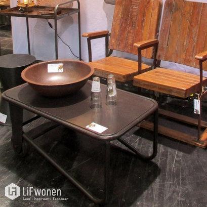 trademark-industriele-salontafel-op-wielen-zwart-s