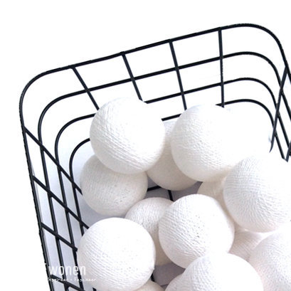Witte cottonballights set